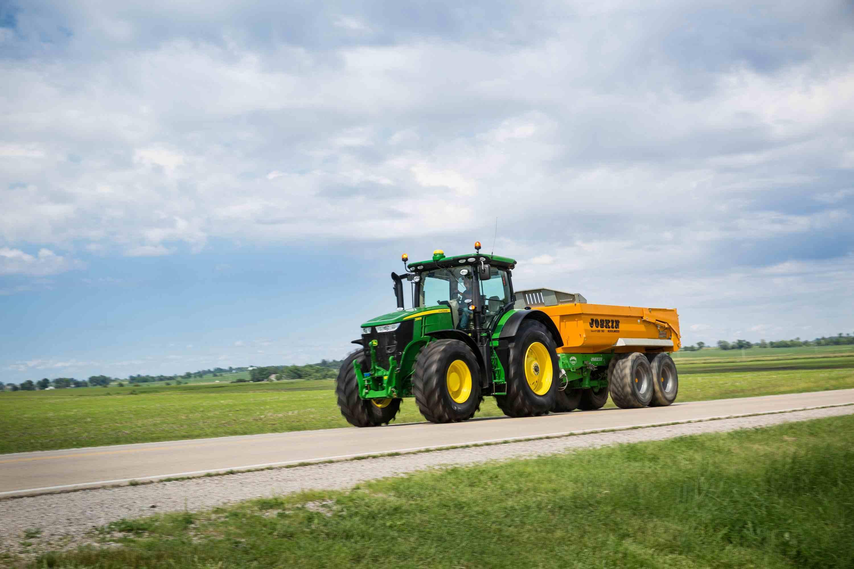 New John Deere 7R & 8R Series tractors_7290R