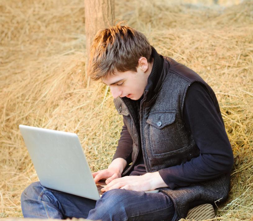 Lack of rural broadband to cause 'digital divide'