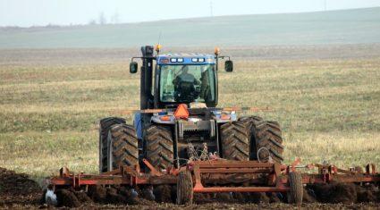 Compulsory pesticide training for farmers, distributors, inspectors, advisors
