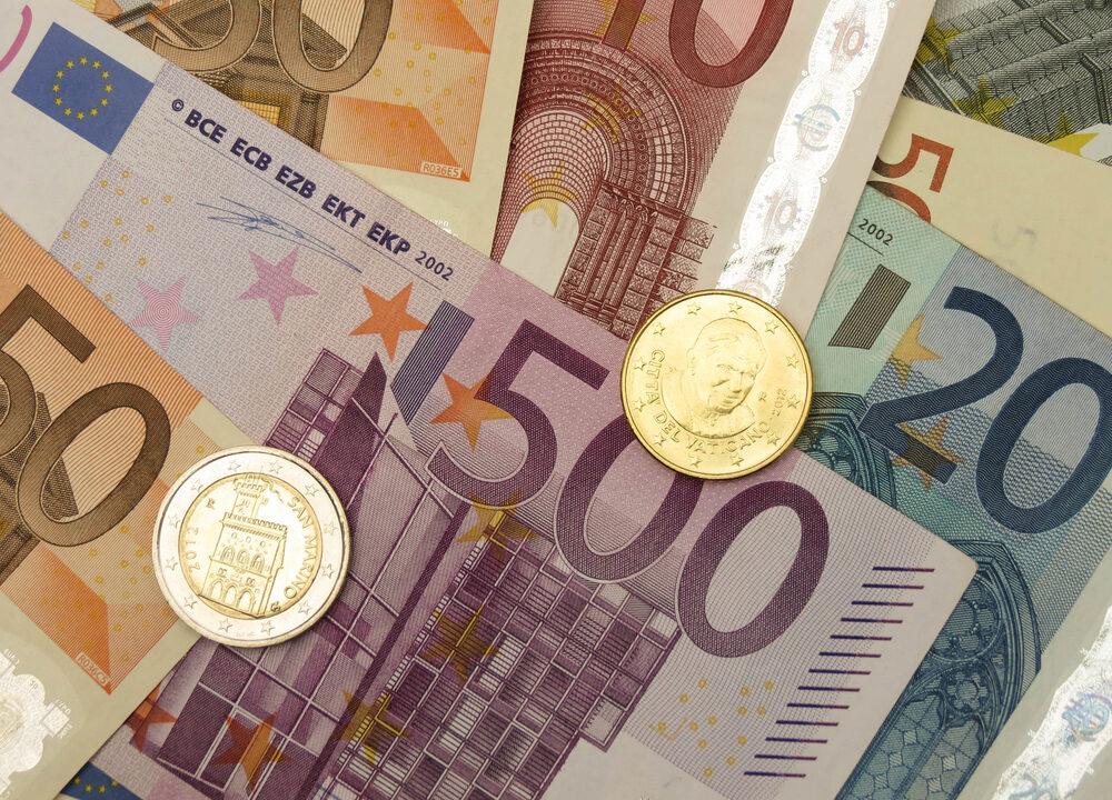 Danske Bank farm accounts remain open for now
