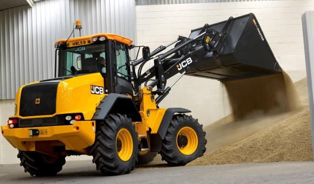 JCB to launch new loaders at Agritechnica