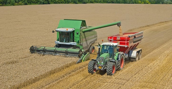 Coping with extreme weather in tillage production