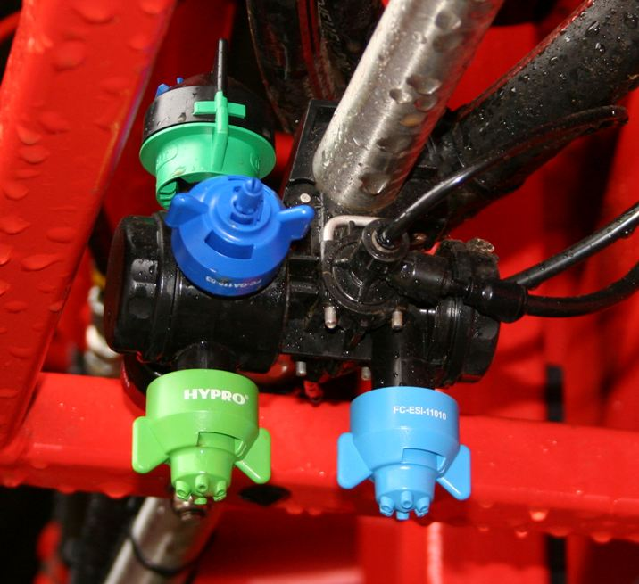 New pneumatic twin-valve nozzle body to fit new crop sprayers