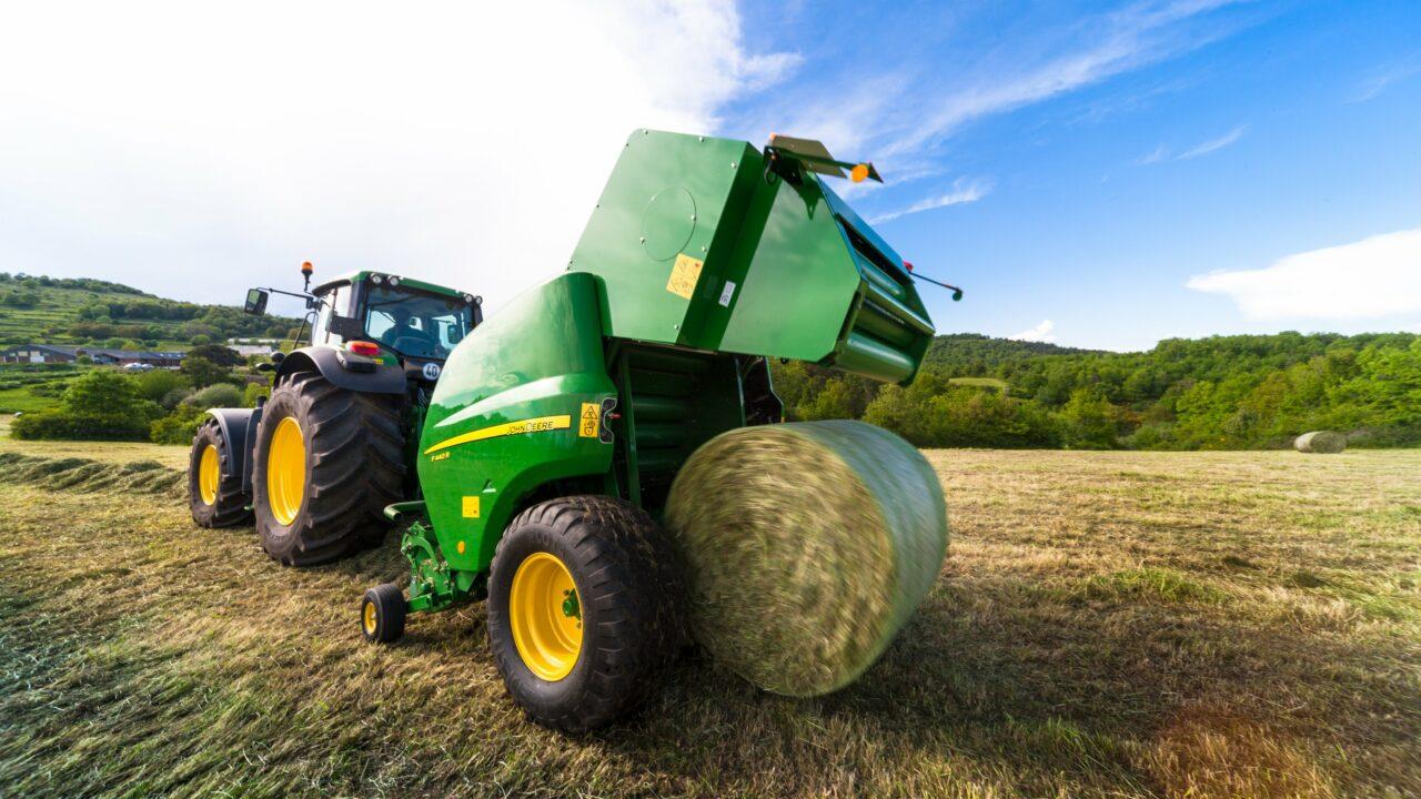 John Deere predicts 10% drop in EU machinery sales, as farm incomes fall