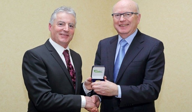 Professor Tim Guinee Wins Teagasc Gold Medal