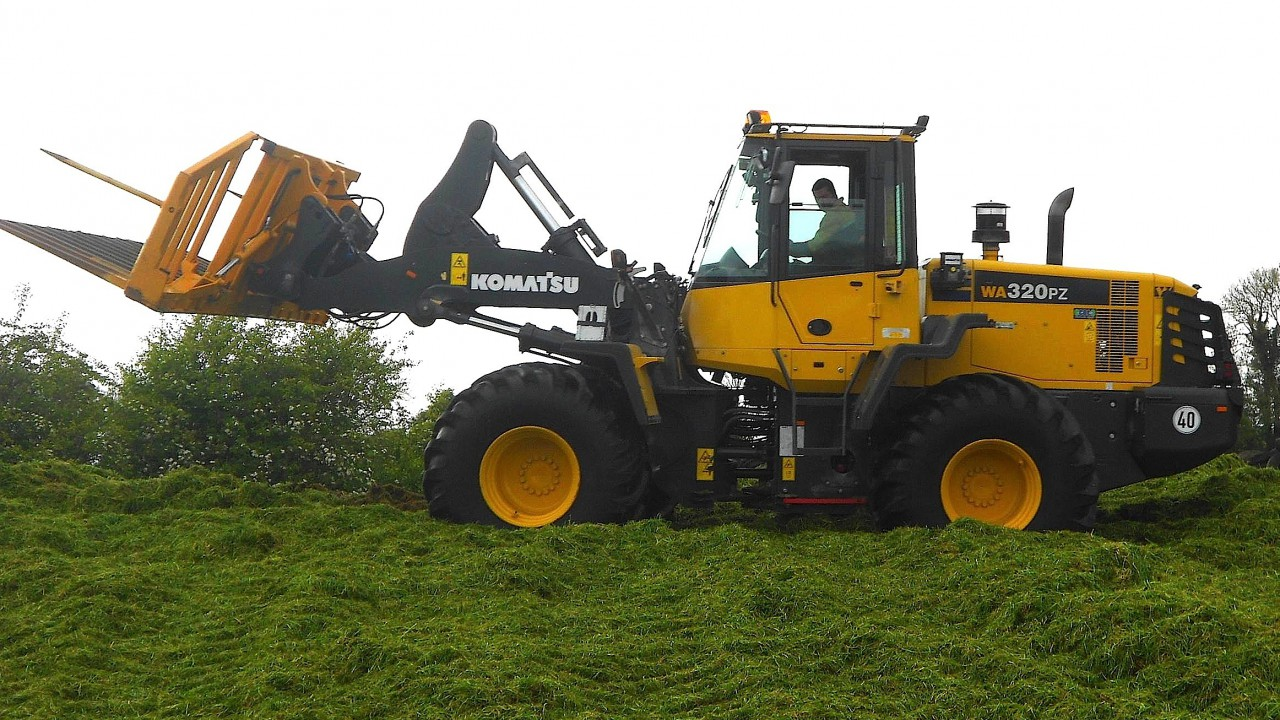 Wheel loaders gain traction on farms