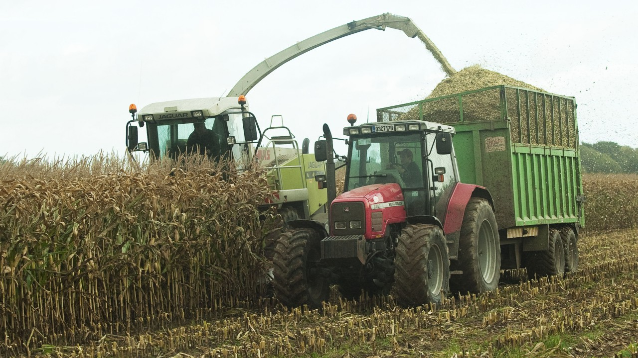 Commission aims to reduce farm machinery emissions