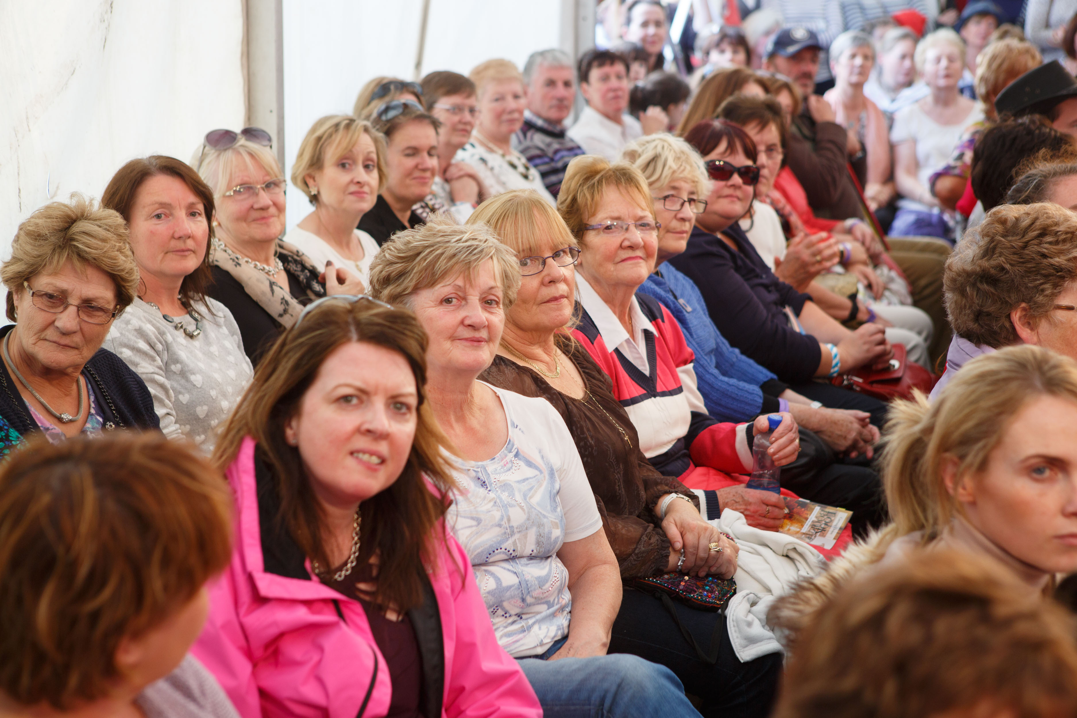Crowds at the fashion show during the day.