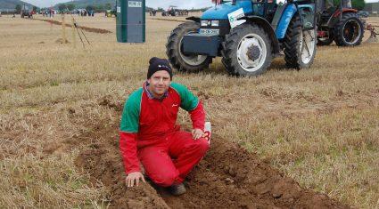 Irish ploughmen akin to a 'Band of Brothers'