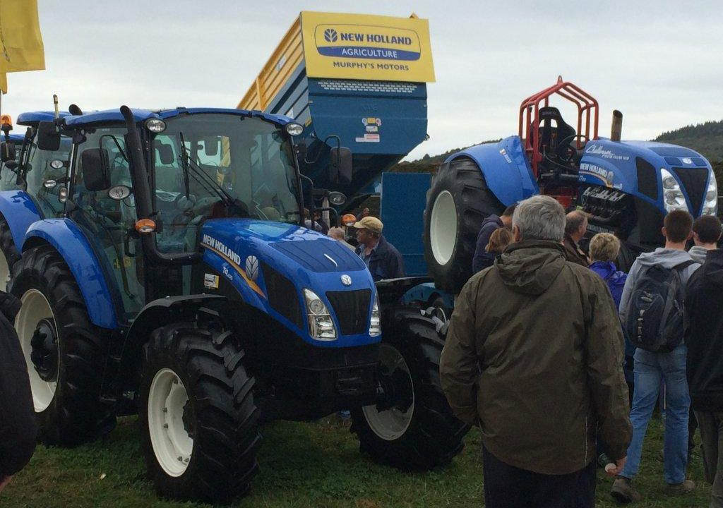 New Holland pulls in the punters at Ploughing Championships