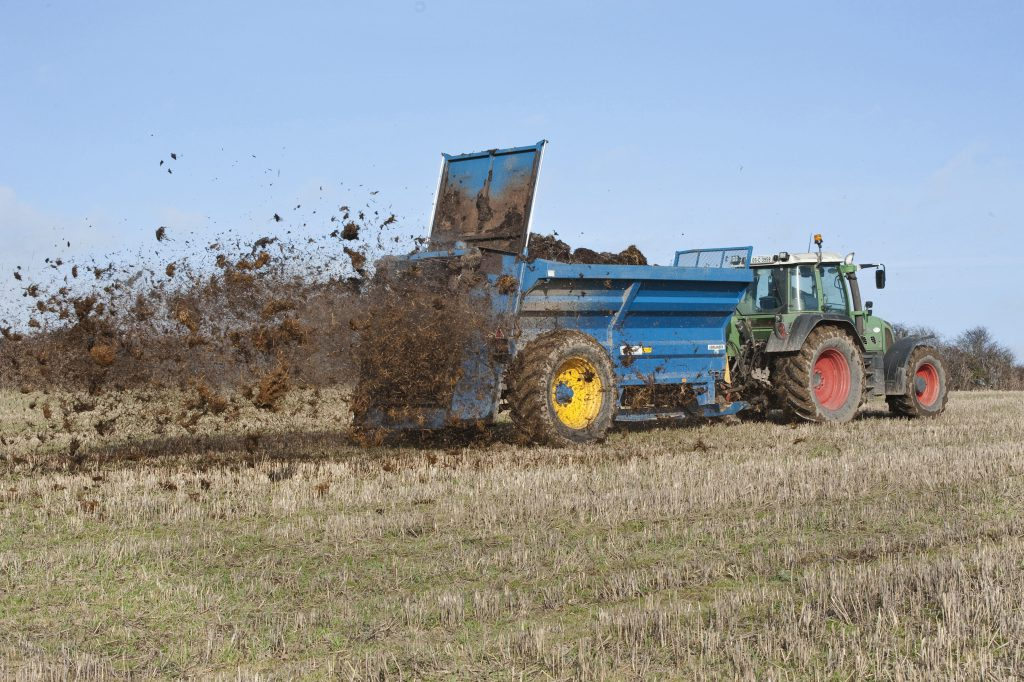 Ban on farmyard manure spreading from November 1 - Agriland