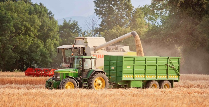 Falling oil prices to impact positively on EU farm production costs