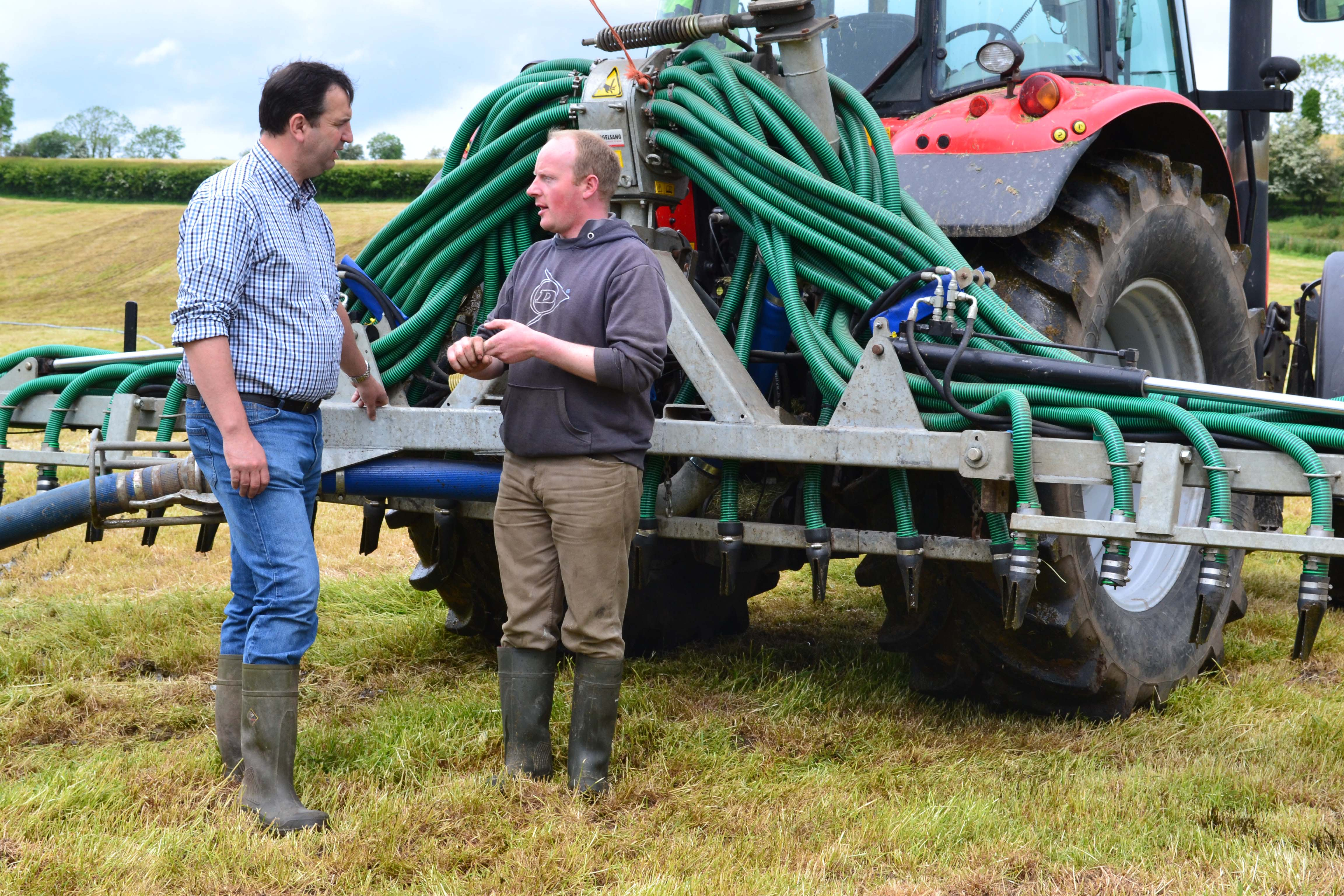 Maximising Nutrient Efficiency in the Derg Valley - Press Article Photo (2) - Ian Browne - May 2014