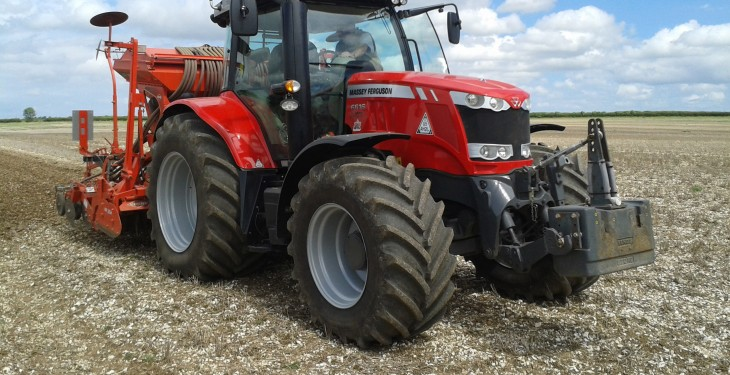 'Farmers could save hundreds in fuel costs by choosing the right tyres'