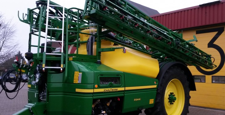 John Deere to unveil new trailed sprayer