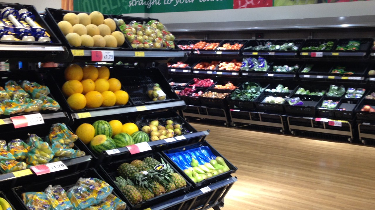 Charity helping distribute surplus food wins award for innovation