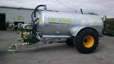 MAJOR_2000_gallon_tanker