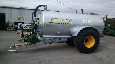 MAJOR_2000_gallon_tanker