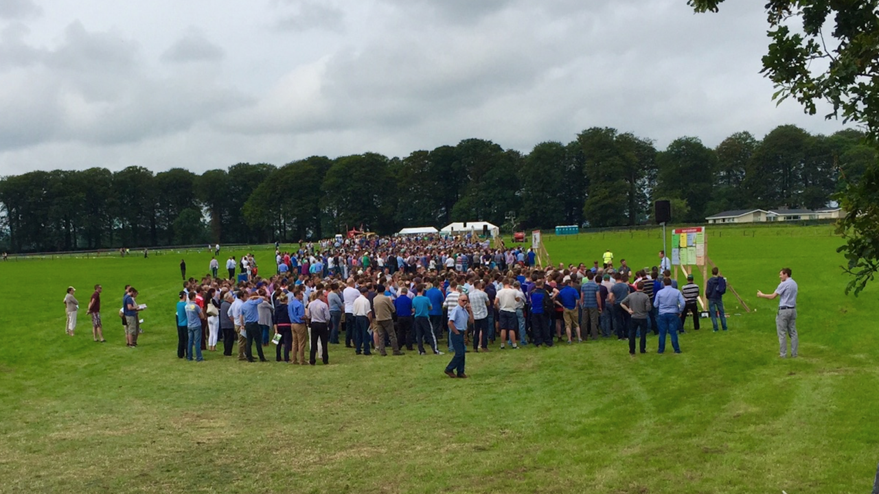 Farmers warned at Moorepark open day of 2015 milk price