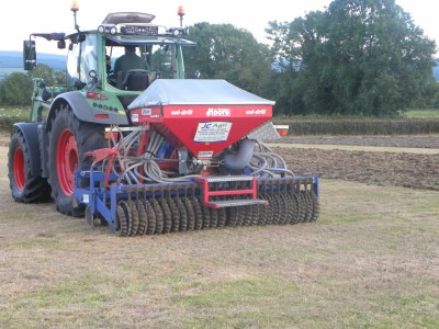 Moore Unidrill in action