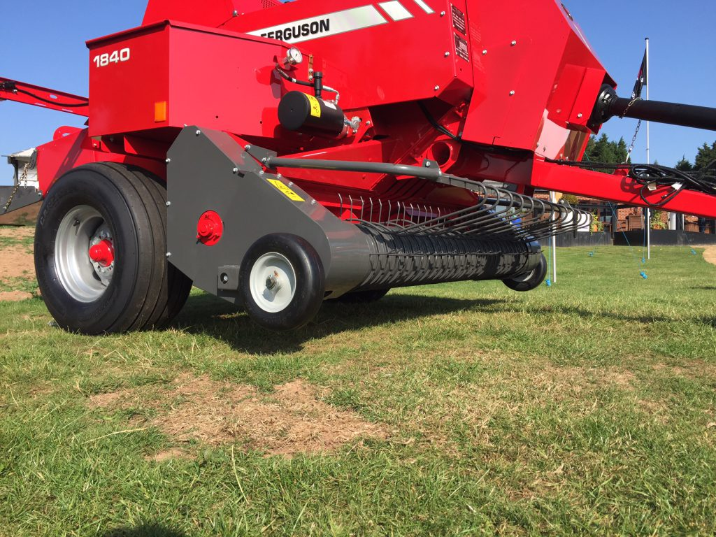 Video: The square baler that made 10,000 bales in 24hr. The Massey  Ferguson's ...