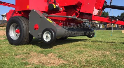 Video: The square baler that made 10,000 bales in 24hr