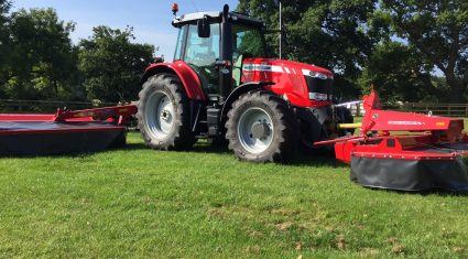 Video: Massey dream combo of 7720 tractor with DM Series butterfly mowers