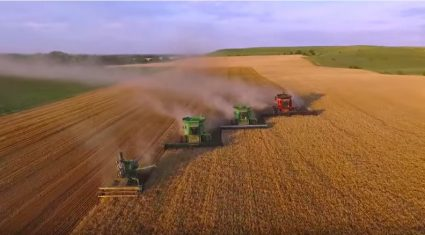 Video: Stunning footage of a US wheat harvest you need to see