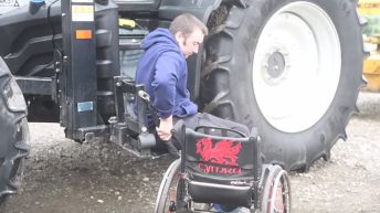 Video: Back in the tractor cab with the help of a chair lift!