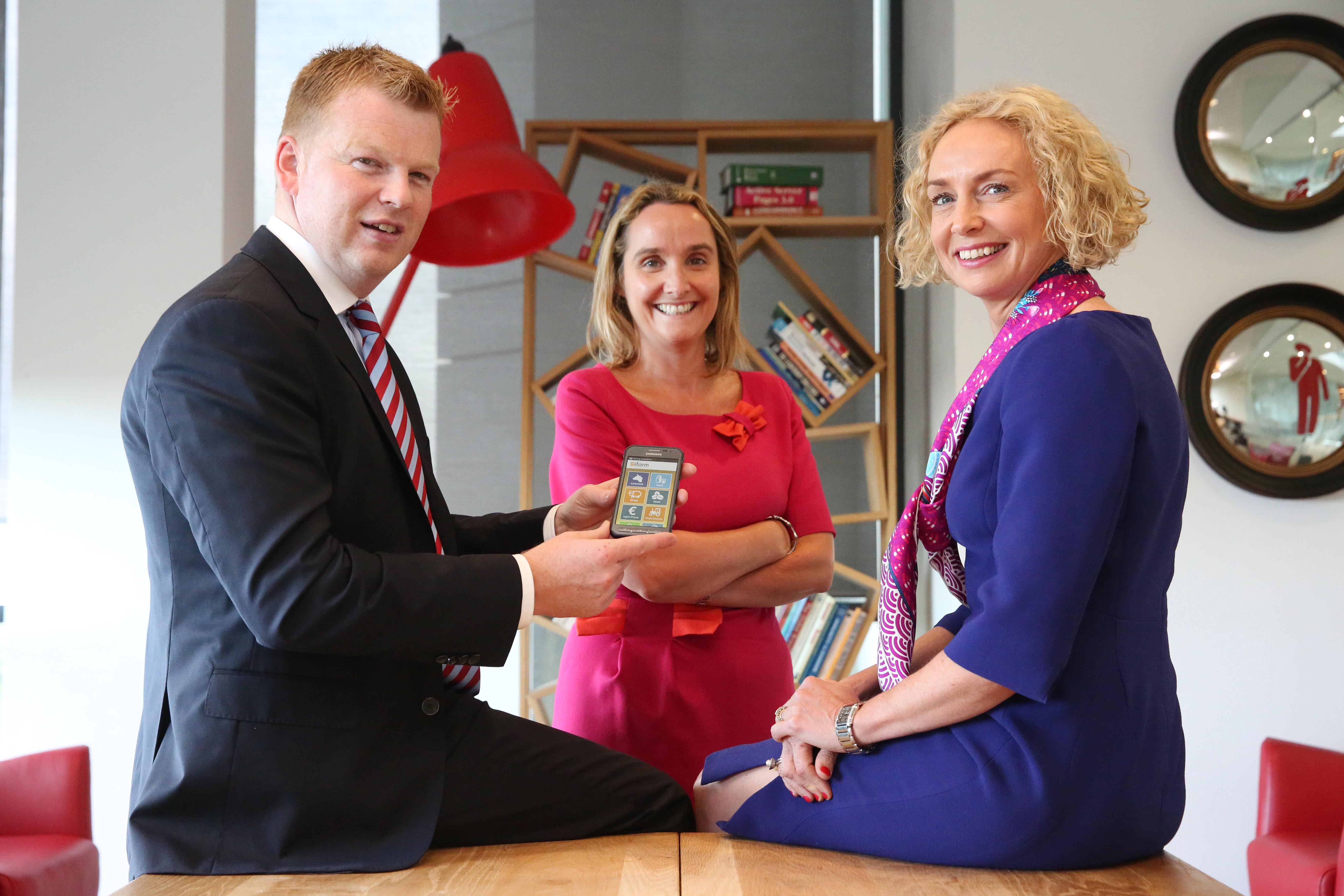 James Kelly, IFA Director of Organisation; Anne Sheehan, Director of Enterprise at Vodafone; and Anne O'Leary, Vodafone CEO