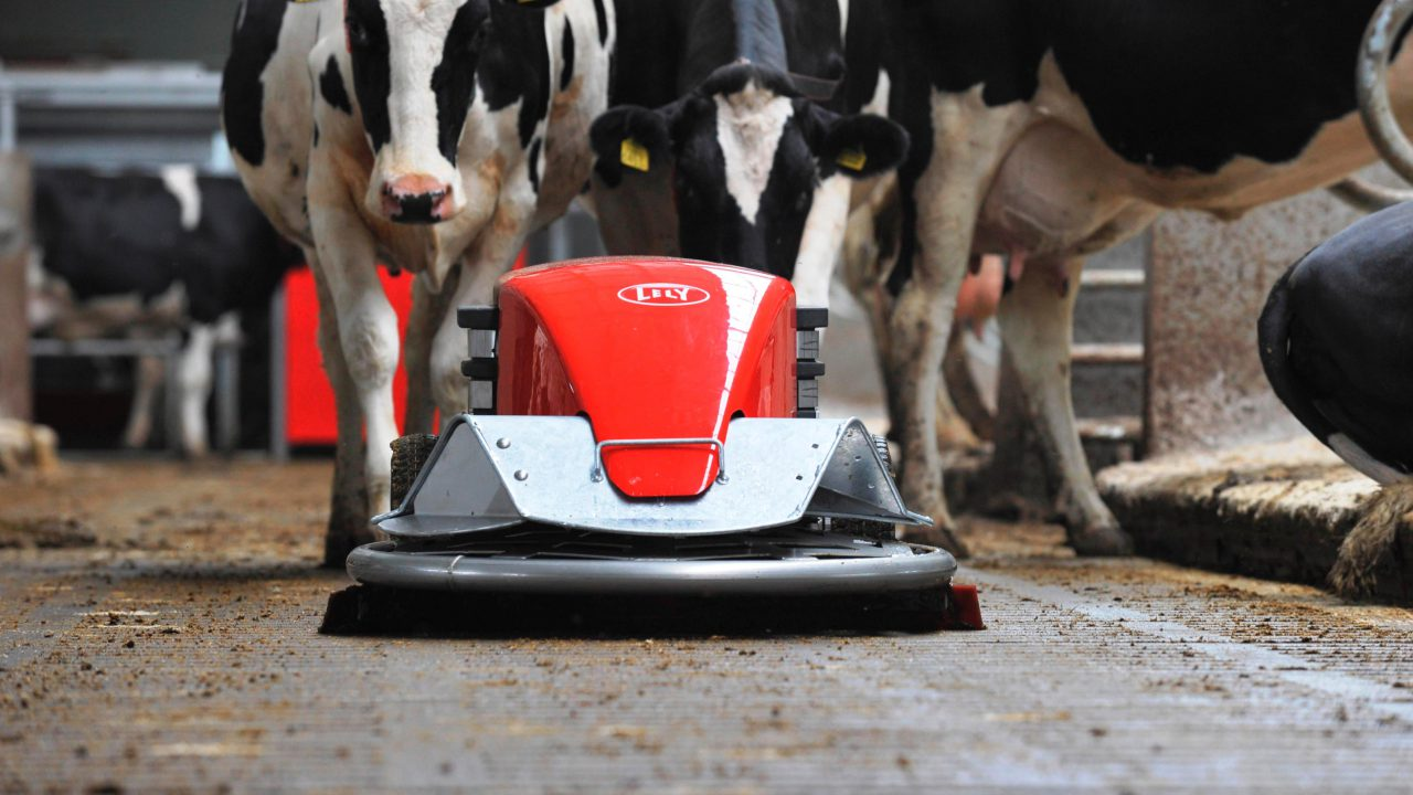 Lely barn cleaner celebrates 10th anniversary