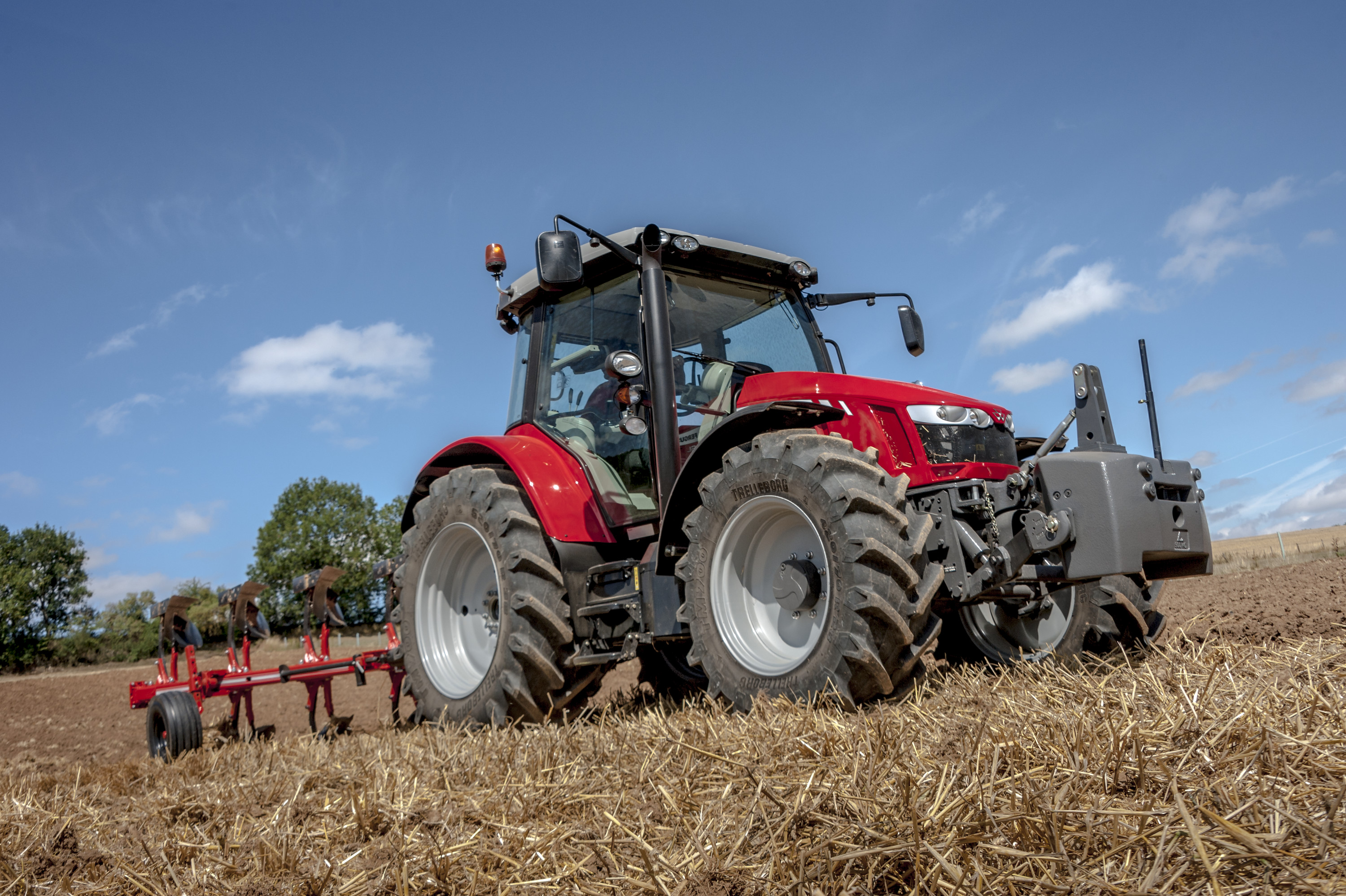 Massey Ferguson to introduce 130hp 5713 SL at Agritechnica
