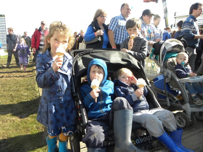 Pics and video of the 76,500-strong crowd at Day 3 of the Ploughing