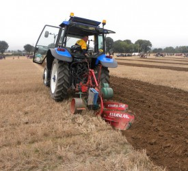 Carlow man retains World Ploughing Championship title