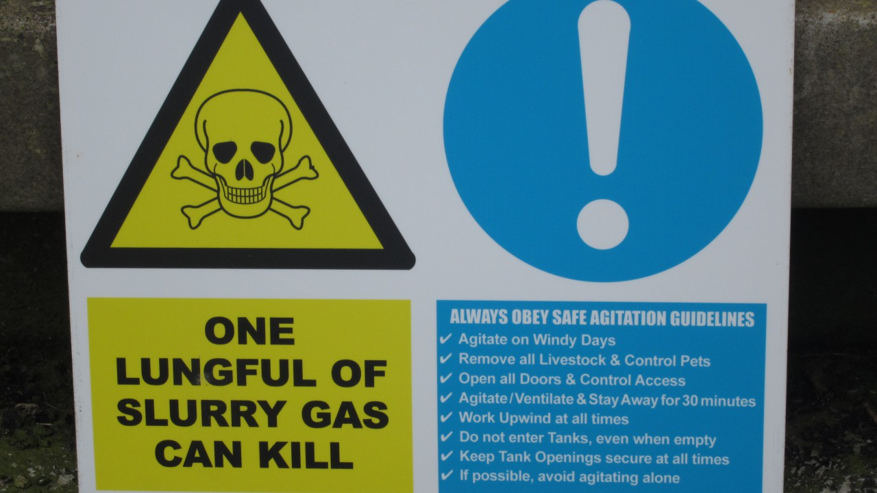 Chainsaws cause 120 serious injuries every year – learn to use it at farm safety event