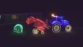 Video: A farming Christmas lights display like no other!