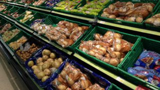Growth in grocery market slows, but SuperValu retains top spot