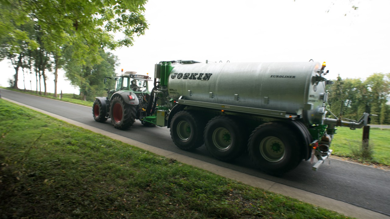 Is it against the law to spread slurry off the road?