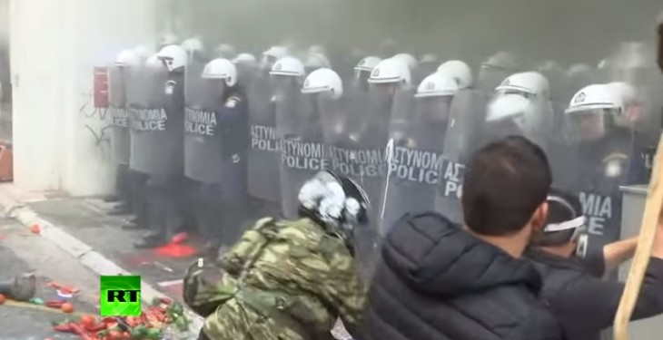 Pics: Protesting Greek farmers hit police with tomatoes, rocks and shepherd's crooks