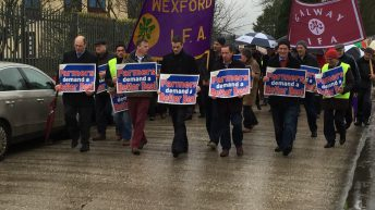 Over 800 farmers protest outside Slaney over 'lack of competition' in beef industry