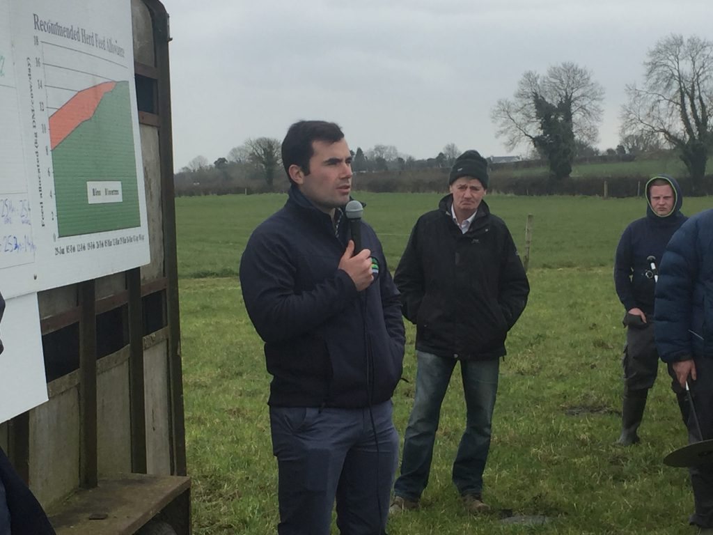 Teagasc's Mike Egan speaking at the farm walk.