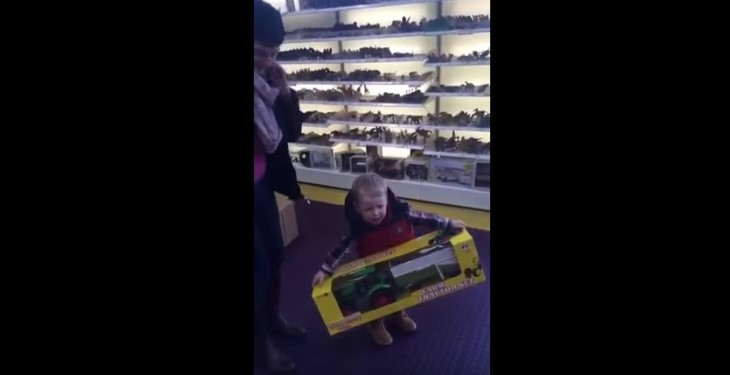 Video: This Kerry child doesn't know what to make of his new tractor!