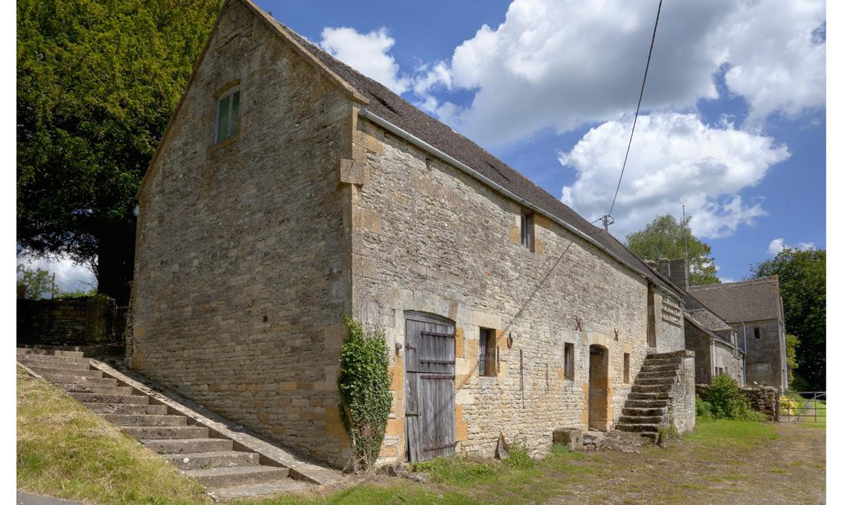 500 apply to Traditional Farm Building Scheme
