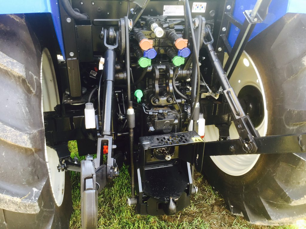 New Holland T4.105 rear