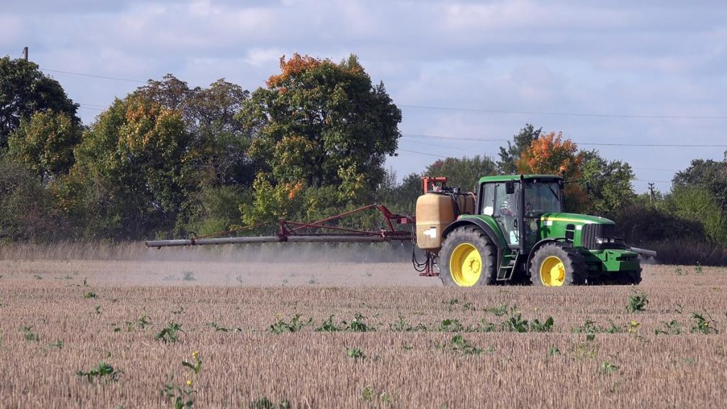 European Union parliament votes to ban controversial weedkiller by 2022