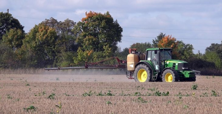EU Parliament scrutinises use of pesticides on farms