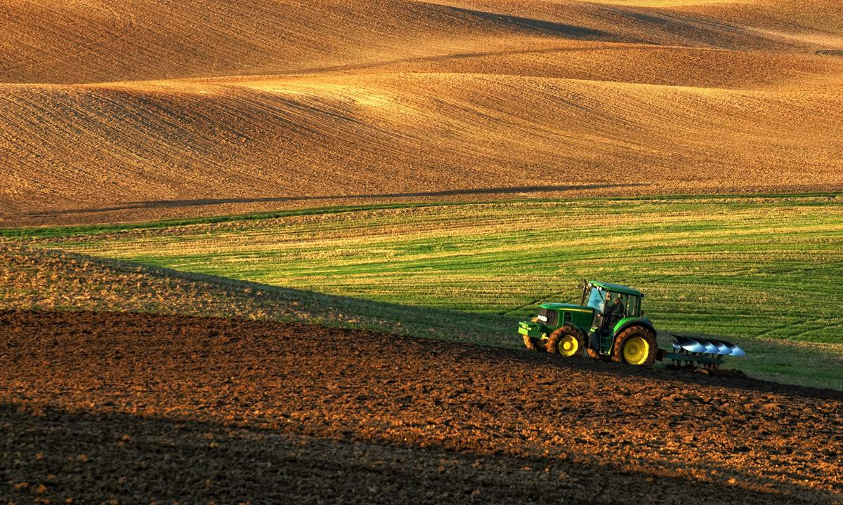 John Deere and Monsanto deal stalls over competition issues