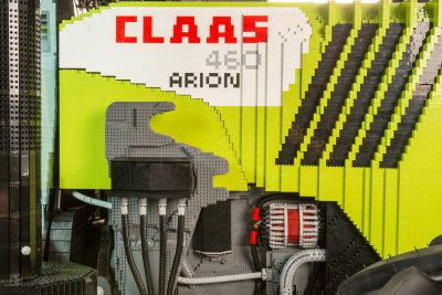 Full-scale lego model of Claas 460 Panoramic: Photo J-M Regoin