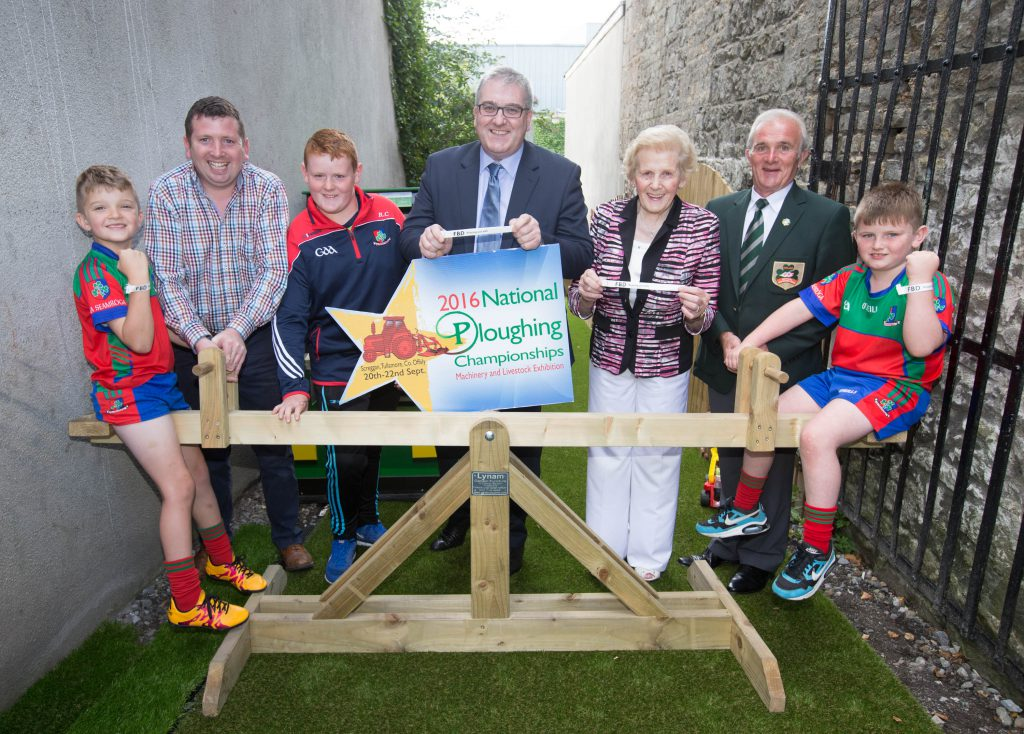 Launching the FBD Keeping you Safe wristbands for Ploughing 2016 at Screggan, Tullamore 20-22 September. Christy Doherty, Head of Farm and Business FBD; Anna May McHugh, NPA managing director; NPA chairman PJ Lynam; Paul Lynam, Lynam Garden Furniture and Shamrocks footballers Ronan Connolly, David Gibbons and Daithí Guinan. Picture: Alf Harvey/HRPhoto.ie no reproduction fee