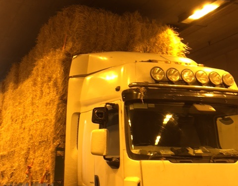 Limerick Tunnel closed after truck carrying bales gets stuck at entrance